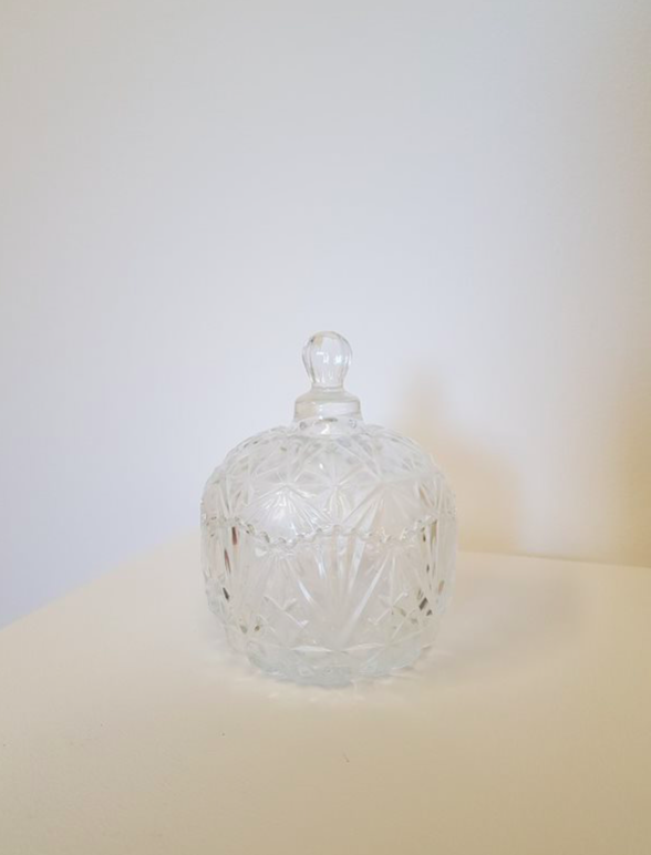 Crystal bowl with lid