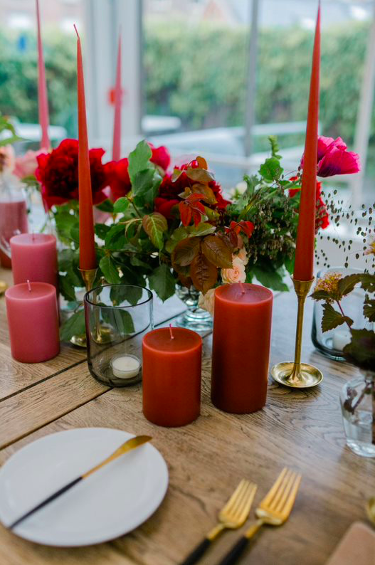 Pillar rust red candle