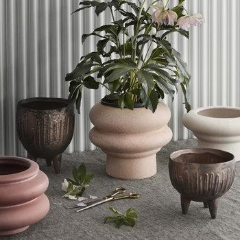 Plant pot - pink - ridged ceramic