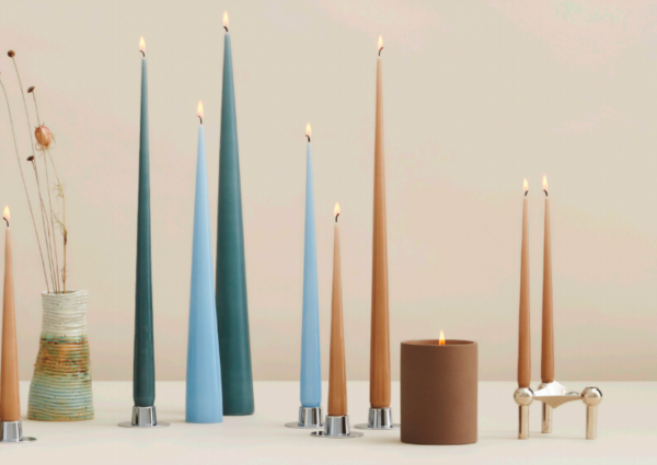 Taper baby blue candle
