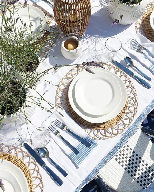 Signature rentals - Summer tablescaping - Trends 2020