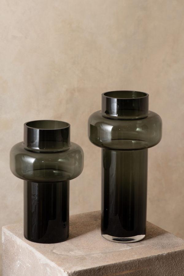 Welton black vase, 33cm - signature rentals