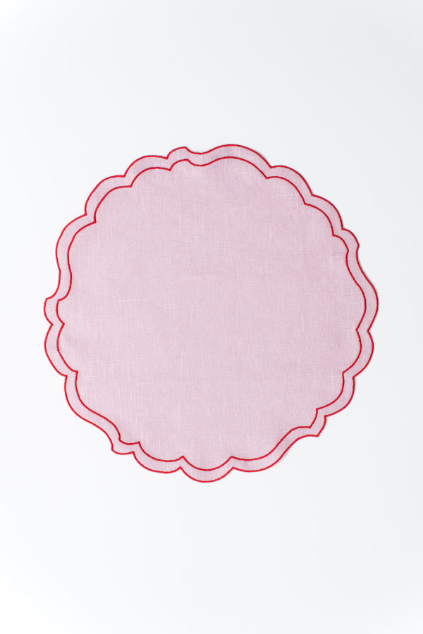 Scallop Italian linen placemat - powder rose - signature rentals