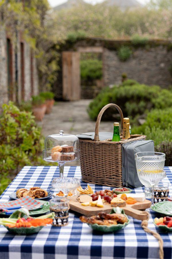 2 bottle park hamper-picnic-signature rentals
