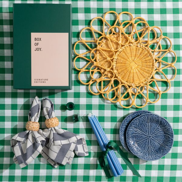 Box of Joy - Tablescape in a Box - Summer lovin'